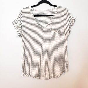 Old Navy Relaxed Fit Black and White Stripe Tee